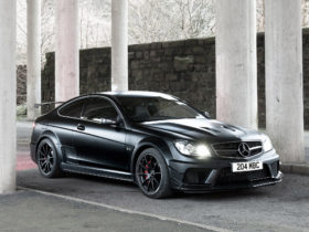 2012-mercedes-benz-c63-amg-coupe-black-wallpapers
