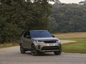 preview:-2021-land-rover-discovery-arrives-with-new-cabin,-powertrain-tech