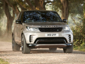 2021-land-rover-discovery-first-look-review:-new-face,-new-heart