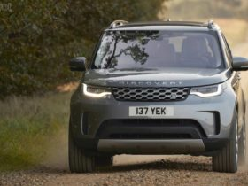 land-rover-discovery-gets-mildly-updated-for-2021