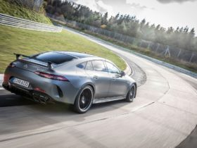 mercedes-amg-gt-62-s-beats-porsche's-panamera-turbo-around-the-nurburgring