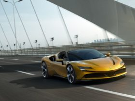 the-new-ferrari-sf90-spider-is-the-sf90-stradale's-open-top-sibling