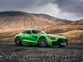2017-mercedes-amg-gt-r-wallpapers