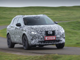 nissan's-redesigned-rogue-sport-may-offer-e-power-series-hybrid-tech