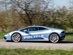 italian-police-use-a-lamborghini-huracan-to-urgently-transport-a-kidney-from-rome-to-padua