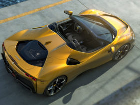 ferrari-sf90-spider-debuts-with-a-new-lightweight-rht