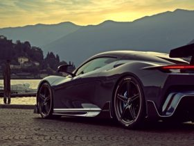the-world's-first-globally-connected-hypercar