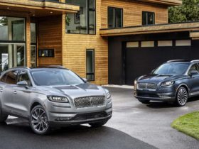 preview:-2021-lincoln-nautilus-arrives-with-revamped-interior