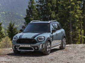 next-mini-countryman-due-in-2023-with-ice,-battery-electric-power