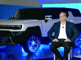 gm-shows-designs-for-gmc-hummer-ev-suv-and-chevy-electric-pickup