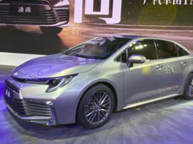 toyota-unveils-two-new-corolla-versions-in-guangzhou