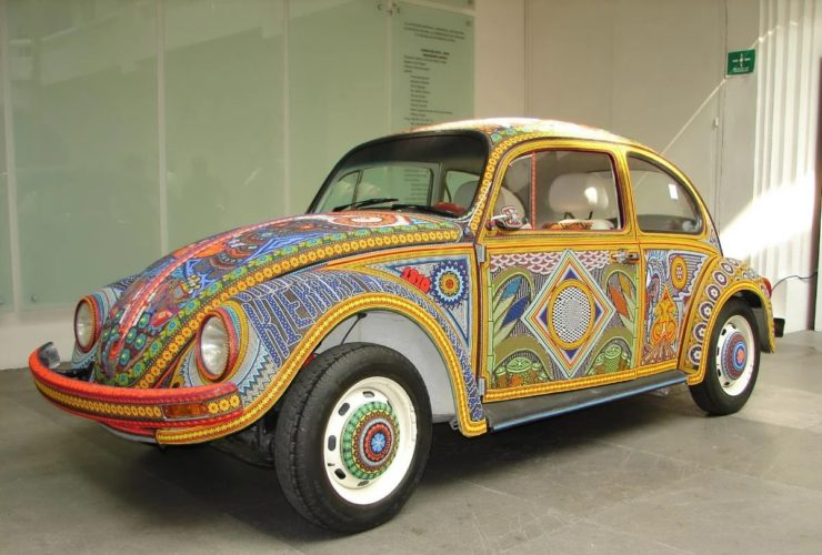 "volkswagen-beetle-""vochol""-body-decorated-with-2-million-beads"
