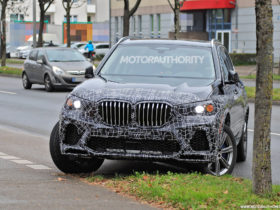2023-bmw-x5-spy-shots:-mild-facelift-pegged-for-popular-suv