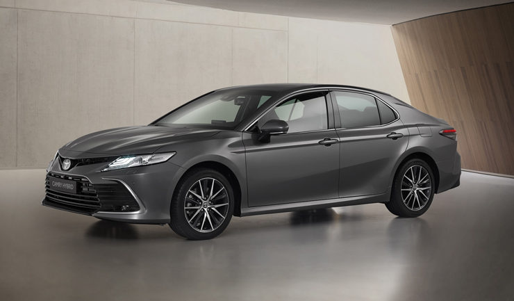 toyota-has-updated-the-european-version-of-the-2021-camry-hybrid-sedan