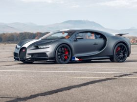 bugatti-chiron-sport-'les-legendes-du-ciel'-honours-the-'daredevils'-of-the-past