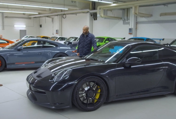 chris-harris-spends-40-minutes-surrounded-by-porsche-gt-cars,-including-the-992-gt3
