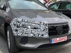 2021-mercedes-benz-eqa-leaked-with-minimal-camouflage