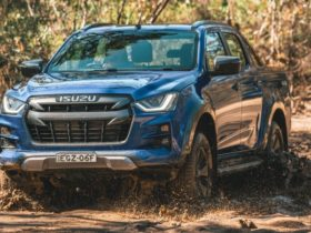 isuzu-d-max-production-ramps-up-again-after-temporary-shutdown