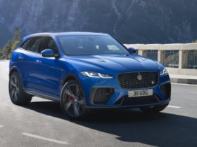 2021-jaguar-f-pace-svr-price-and-specs:-high-performance-suv-updated