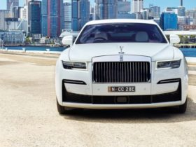 2020-rolls-royce-ghost-review