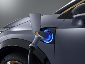 japan-reportedly-plans-to-end-sales-of-non-electrified-cars-by-mid-2030s