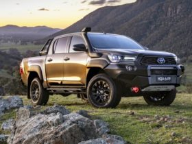 2021-toyota-hilux-rugged-x-and-rogue-delayed-until-january