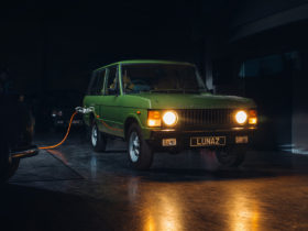 lunaz-returns-with-ev-conversion-for-first-gen-range-rover
