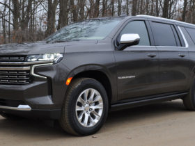 driven:-the-2021-chevrolet-suburban-diesel-is-an-unlikely-green-machine
