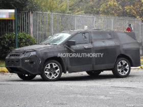 2022-jeep-compass-based-3-row-suv-spy-shots:-compact-family-hauler-in-the-works