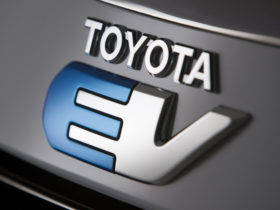 toyota-still-cautious-on-evs,-says-there's-too-much-hype