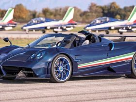 pagani-huayra-tricolore-is-an-829-horsepower-expression-of-national-pride