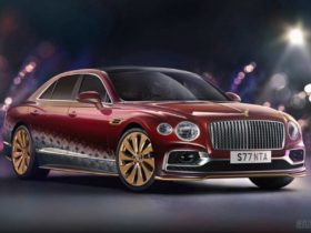 santa's-new-ride-is-a-bentley-flying-spur