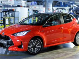 4-millionth-toyota-yaris-rolls-out-in-france