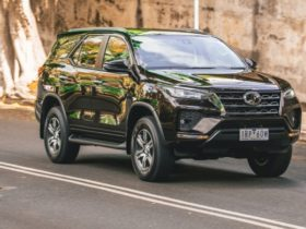 2021-toyota-fortuner-gxl-review
