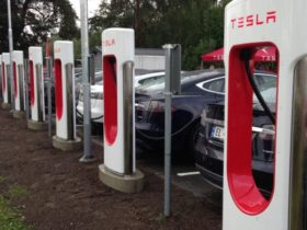 tesla-superchargers-already-accessible-to-other-electric-cars,-elon-musk-claims