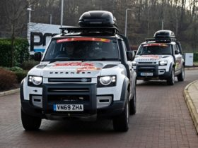 land-rover-defender-110s-to-support-brx-team-in-2021-dakar-rally