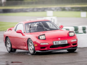 rotary-rebuild:-mazda-now-offering-restoration-parts-for-the-rx-7