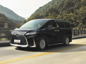 4-seater-lexus-lm350-mpv-coming-to-malaysia-in-2021