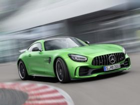 mercedes-benz-amg-gt-r-dropped-for-2021