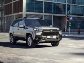 new-lada-niva-debuts-with-a-japanese-face