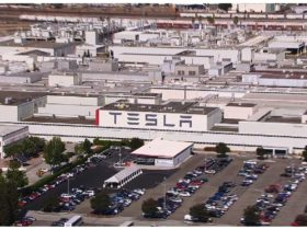 tesla-and-yahua-join-forces-in-5-year-lithium-deal