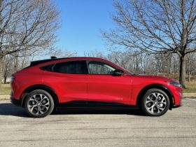 ford-mustang-mach-e:-best-crossover-to-buy-2021