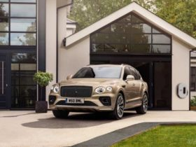 bentley-bentayga-facelift-plugs-in,-gets-50-km-ev-range
