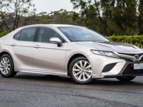 vfacts-2020:-toyota-camry-top-selling-mid-size-sedan-for-27th-year