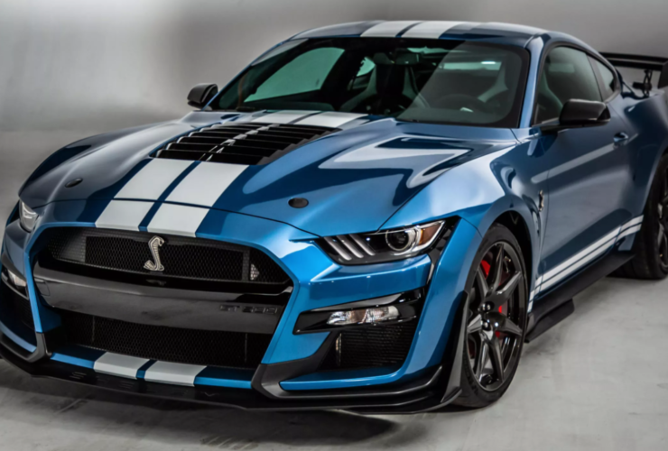 ford-may-be-working-to-bring-the-gt500-a-carbon-fiber-handling-package