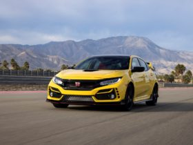 2021-honda-civic-type-r-gets-price-bump,-limited-edition-model-before-updated-2022-model