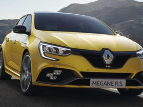 2021-renault-megane-rs-price-and-specs:-updated-hot-hatch-offered-in-trophy-form-only