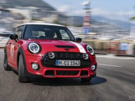 mini-paddy-hopkirk-edition-launched-at-rs-41.70-lakh