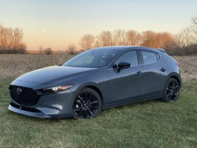 2021-mazda-3-turbo-hatch-review,-tesla-model-y-price-drop,-hyundai-and-apple-to-develop-self-driving-ev:-what's-new-@-the-car-connection