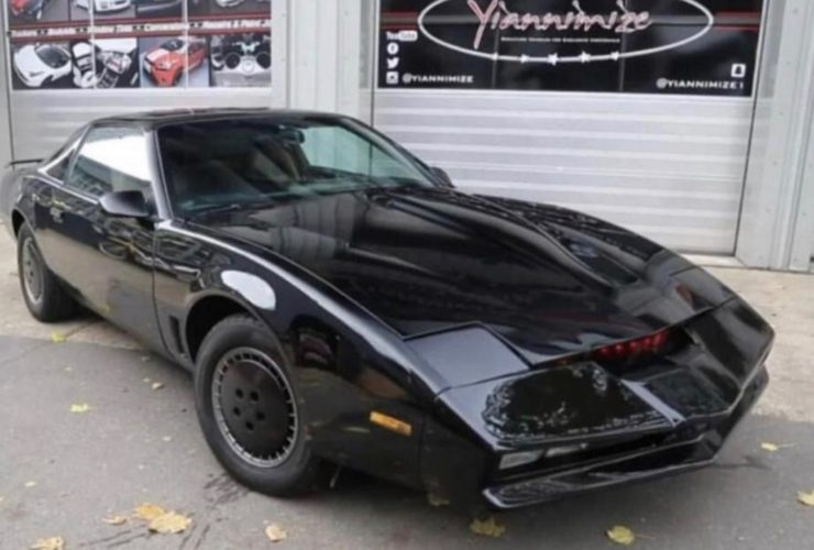 """david-hasselhoff's-kitt-car-from-""""knight-rider""""-is-up-for-auction"""